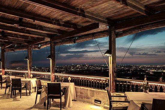malta-gda-global-dmc-alliance-mpevents-de-mondion-restaurant-mdina-michelin-star-food-dinner-group-travel-mediterranean
