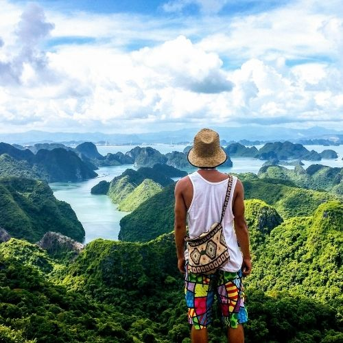 vietnam-ciao-travel-ha-long-bay-tourism-tourist-ciao-gda-global-dmc-alliance