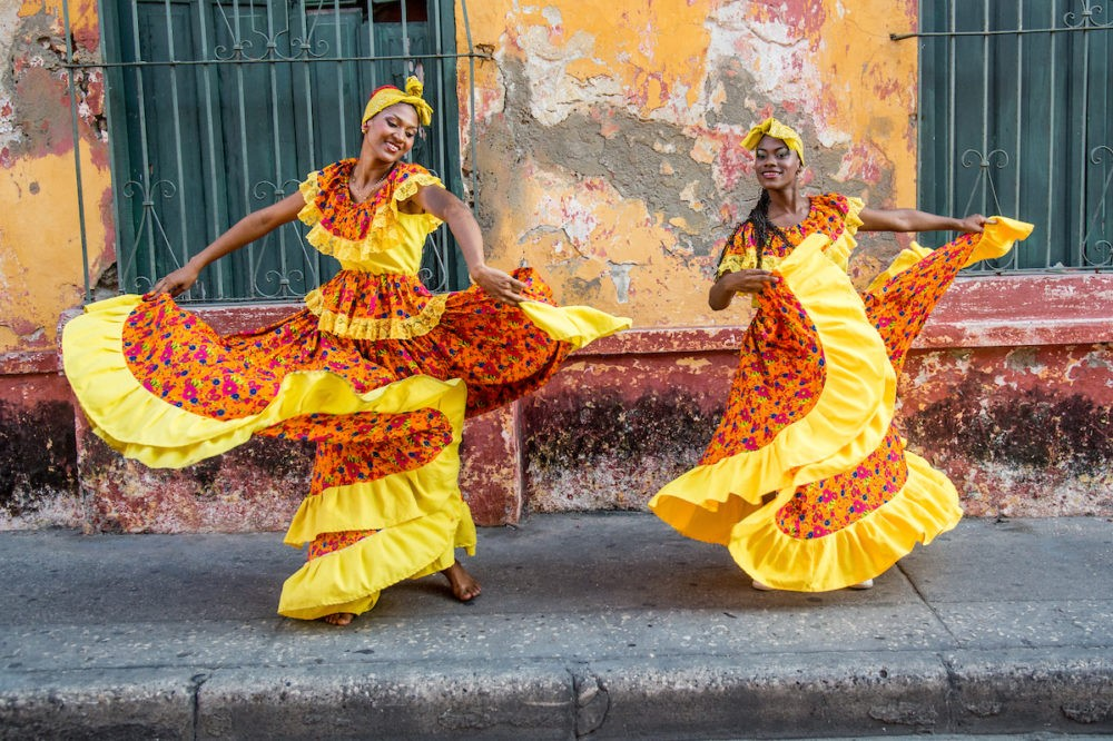 colombia-gda-global-dmc-alliance-mvs-travel-Traditional-Cumbian-Dancers (2)
